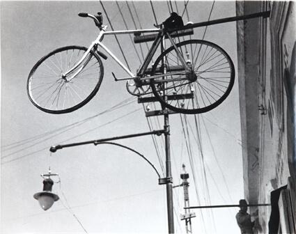 Bicicleta al cielo (Bicyclette au ciel)