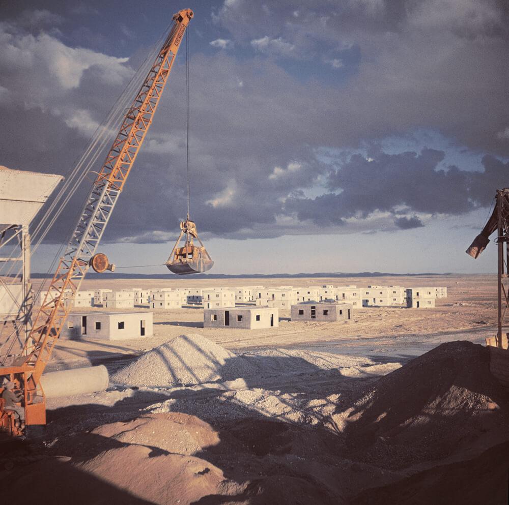 Construction de nouvelles colonies pour des travailleurs, désert de Néguev, près de Beer-Sheva, Israël