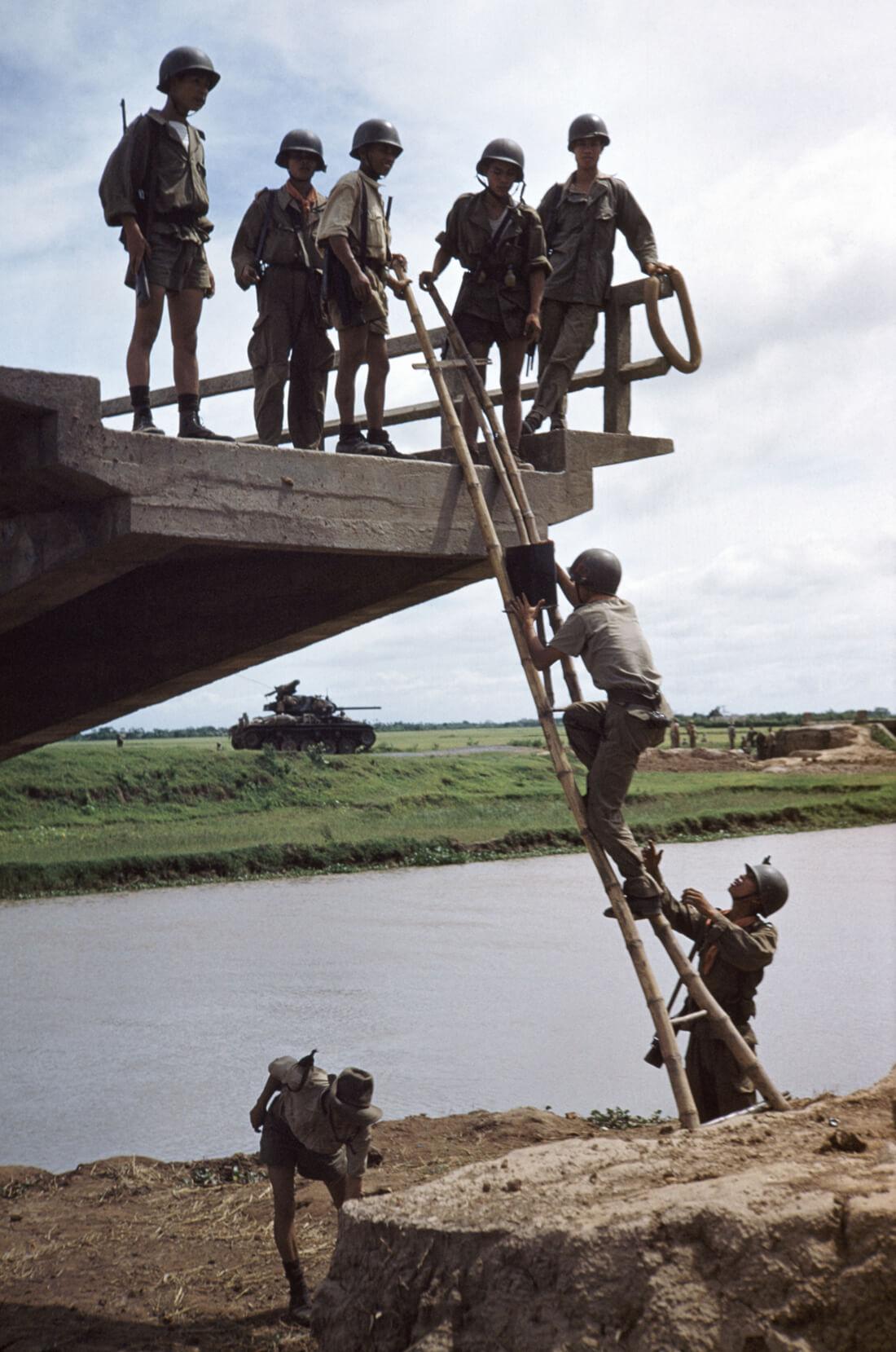 À l'ouest de Nam Dinh, Indochine (Viêtnam)