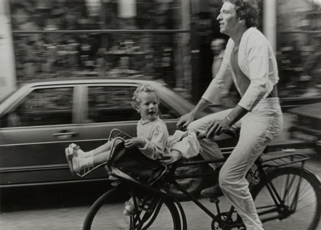 A Photographer films Amsterdam