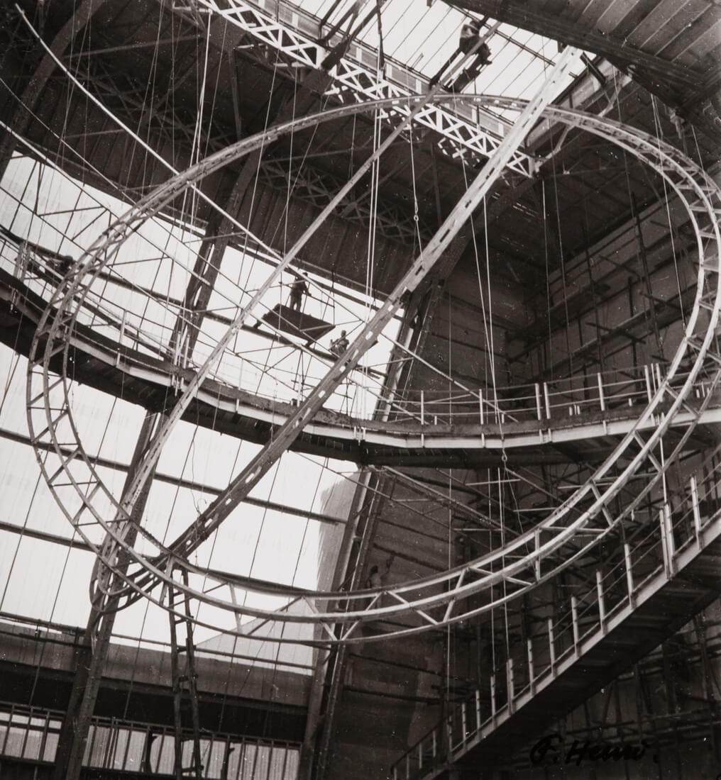 Structure (intérieur du Palais de l'Air, Paris, Exposition Universelle)