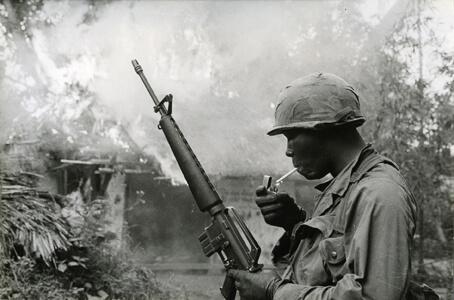 Guerre du Viêtnam, combats sur la colline 875, Dak To