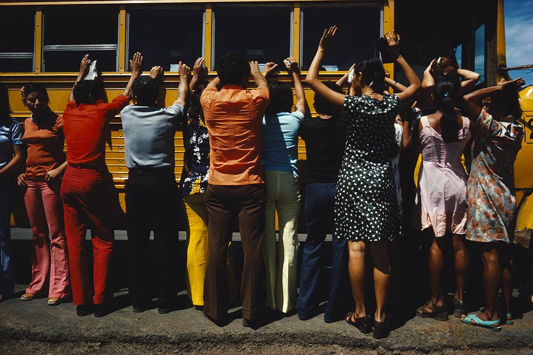Fouille de toutes les personnes voyageant en voiture, en camion, en bus ou à pied, Ciudad Sandino, Nicaragua