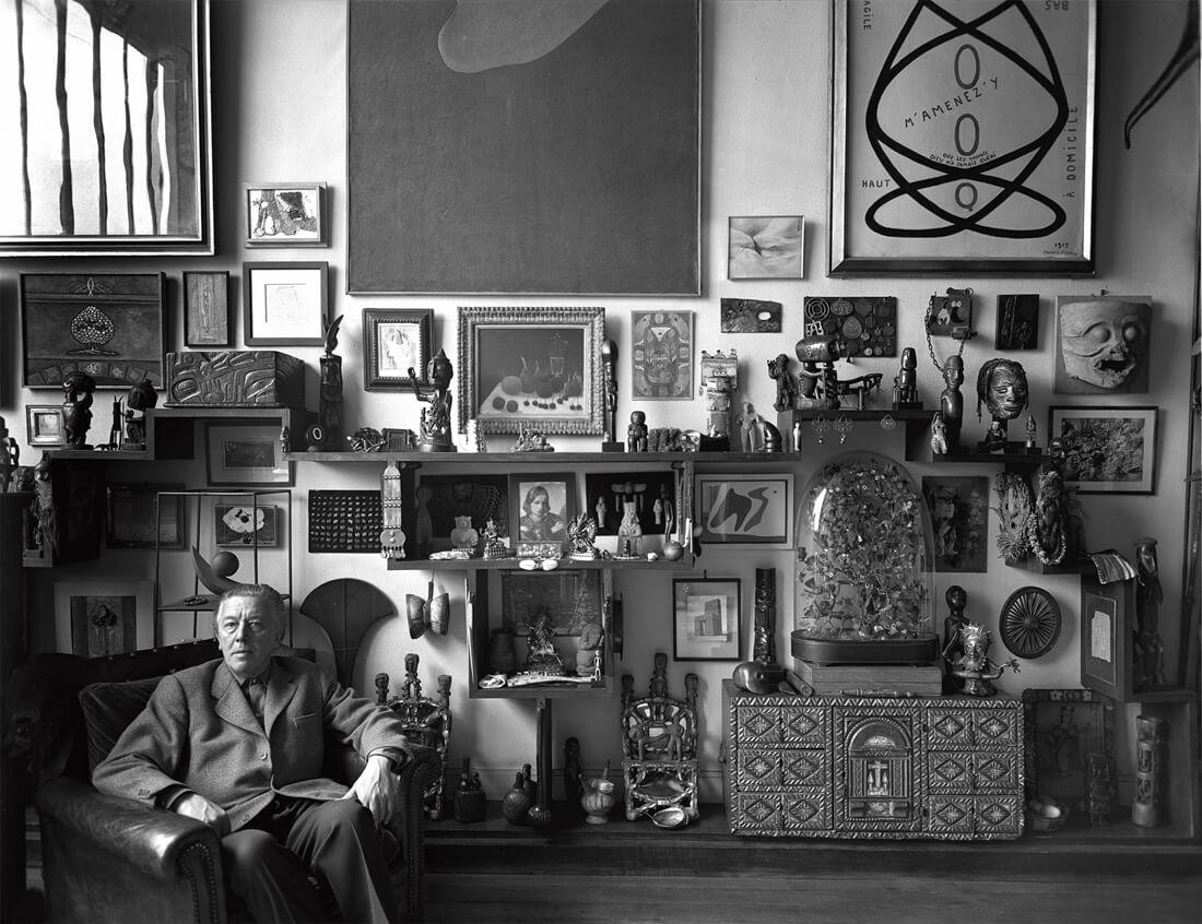 André Breton chez lui, 42, rue Fontaine