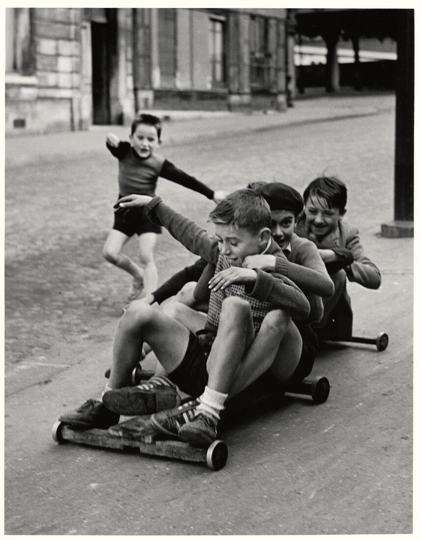 Enfants jouant, rue Edmond-Flamand