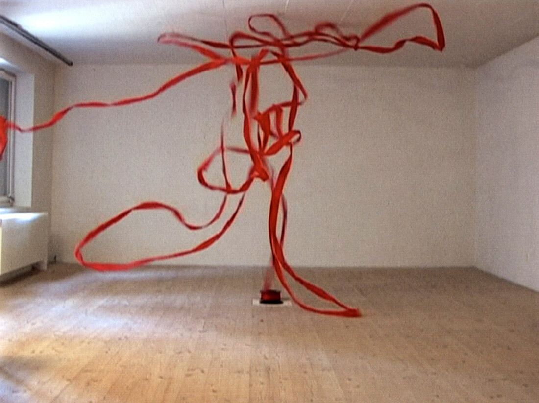 Rotes Band / Red Tape