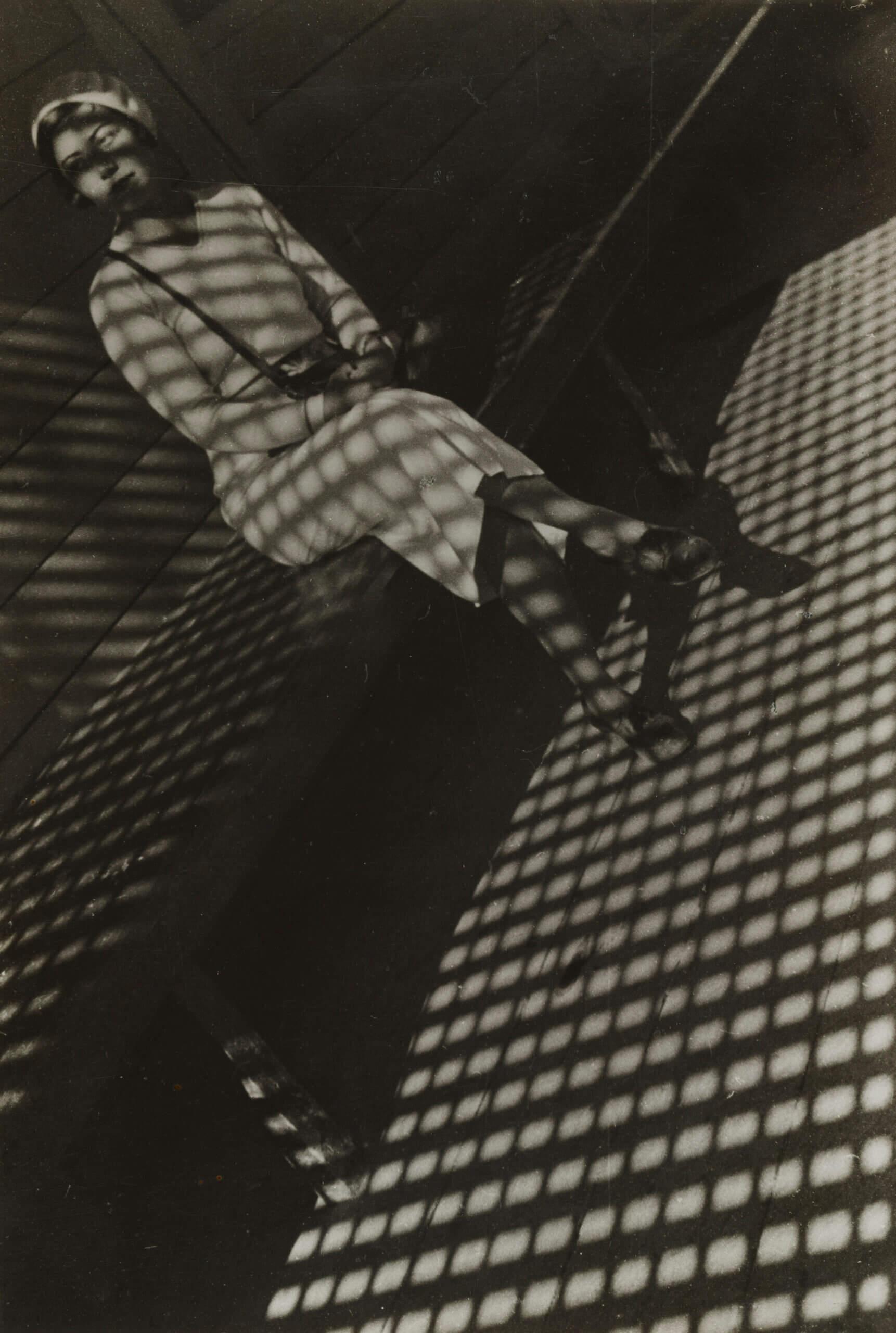 Jeune femme au Leica
