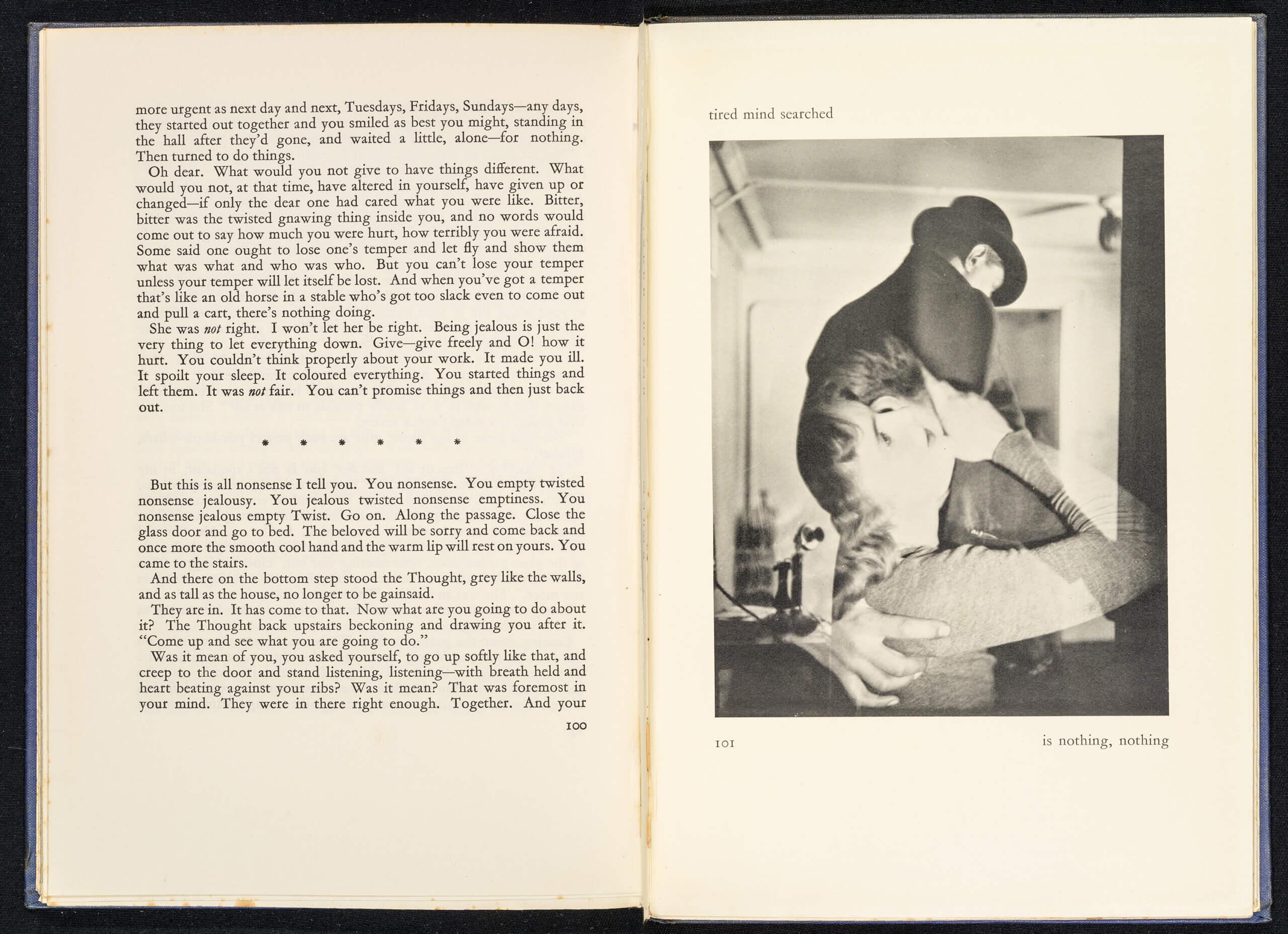 Lance Sieveking et Francis Bruguiere, <em>Beyond This Point</em>, Duckworth, Londres, 1929. Courtesy University of St Andrews Library, Écosse & Nick Sieveking.