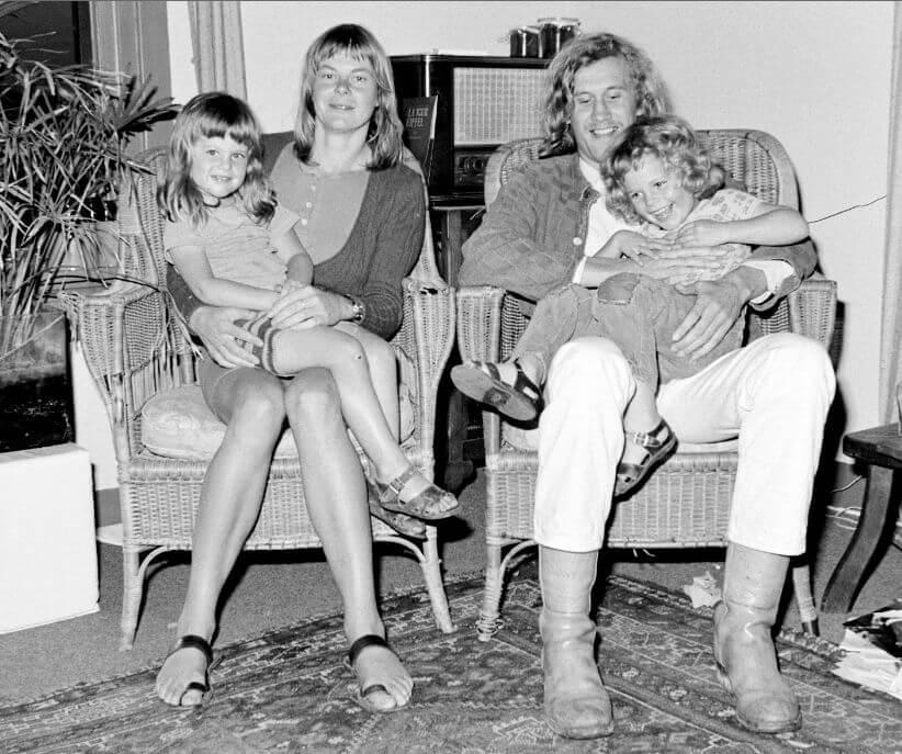 """Hans Eijkelboom, Series """"With my Family"""", 1973  © Hans Eijkelboom"""