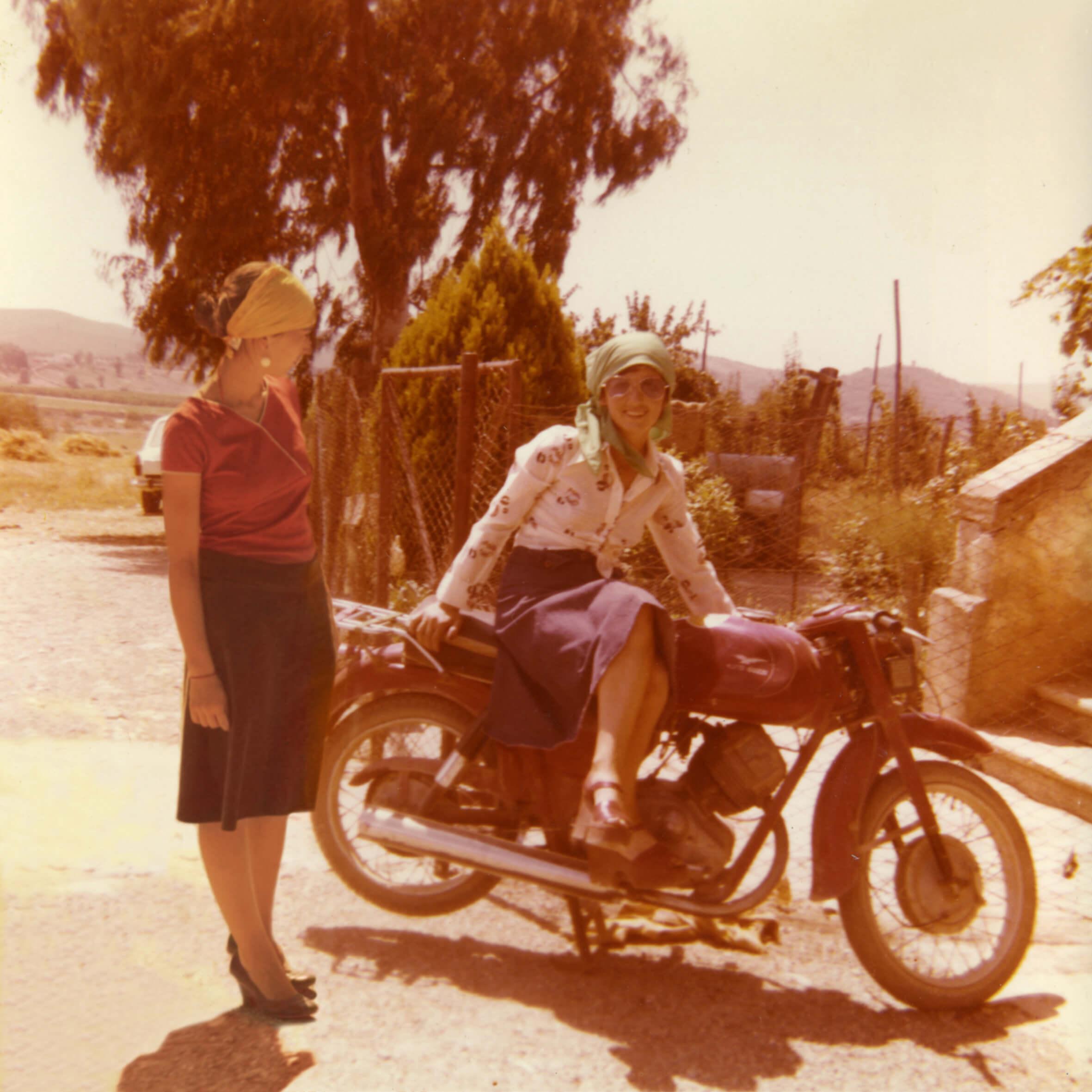 Moira Ricci, <em>20.12.53–10.08.04</em> (maman sur la moto de grand-mère), 2004-2014